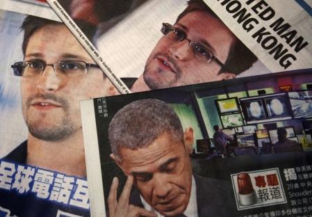 Snowden é procurado pelo governo norte-americano por divulgar informações secretas sobre programa para acessar conversas telefônicas e por internet Foto: Reuters