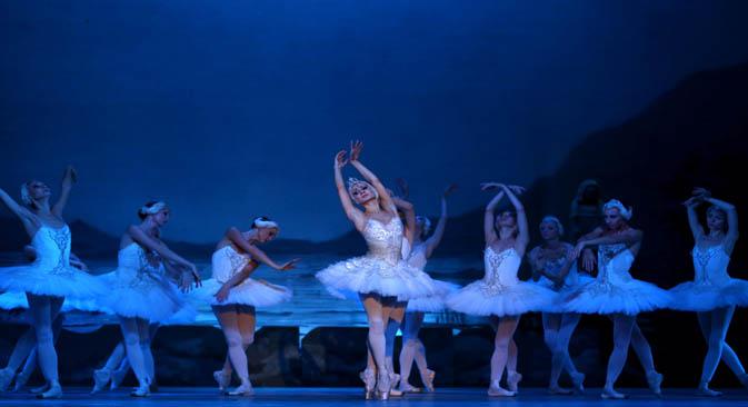 """Dançarinos do Balé Nacional da Rússia apresentam o espetáculo """"Lago dos Cisnes"""" Foto: Photoshot/Vostock-Photo"""