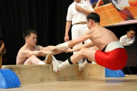 Não se sabe a data exata do aparecimento do Mas-Wrestling, mas algumas fontes dão conta de que foi no século 18 Foto: tengry.org