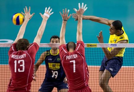 A seleção da Rússia não deu nenhuma chance aos brasileiros, que mantiveram a base de Londres Foto: AP