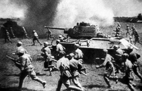 Durante a Batalha de Kursk, terra foi completamente queimada Foto: ITAR-TASS