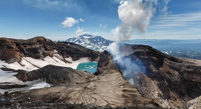 Vulcão Goréli, na remota península de Kamtchatka Foto: Alekandr Piraguis / RIA Nóvosti