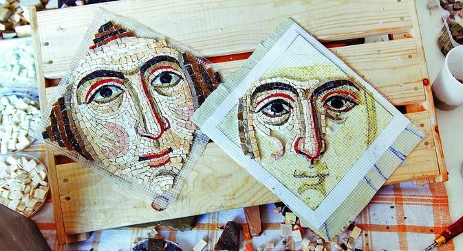 2.500 metros quadrados da Catedral da Intercessão serão revestidos com mosaico Foto: Nomer