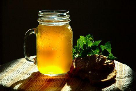 O tradicional kvas russo tem uma cor clara devido ao trigo utilizado na sua preparação Foto: wikipedia.org