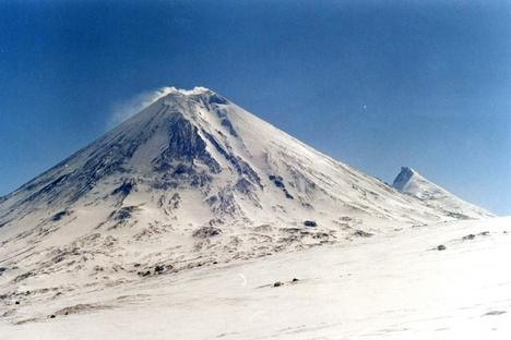 Erupção mais poderosa do Kliutchevskoi nos últimos anos foi registrada em 2005 Foto: wikipedia.org