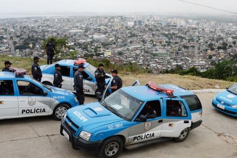 Turista de 17 anos foi encontrado morto a tiros às margens de um canal em Maricá, no RJ Foto: AFP / East News
