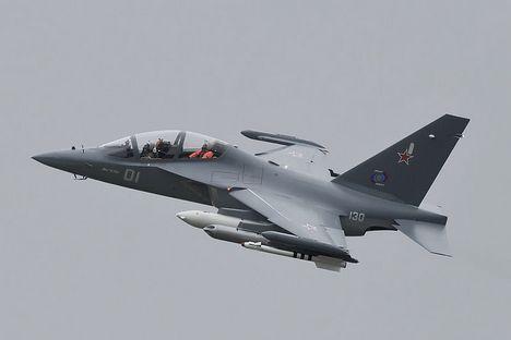 Iak-130 também pode ser usado como avião de combate Foto: wikipedia.org