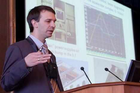 """""""Pretendemos produzir aceleradores compactos para fins médicos com vista a tratar doenças oncológicas por meio de feixes de partículas"""" Foto: dubna.ru"""