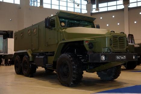 Automóvel blindado Ural-VV é atualmente usado pelas tropas do Interior russas Foto: Press Photo