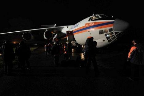 Avião Il-76 foi usado para transporte de médicos a áreas afetadas Foto: Ministério do Interior da Rússia