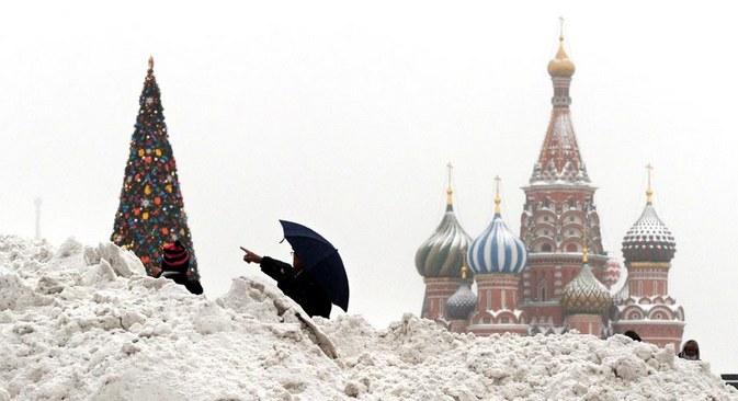 Em Moscou, até 40 centímetros de neve podem ser acumulados durante a noite Foto: AFP Photo / East News