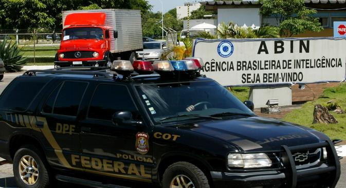 A notícia de que diplomatas estrangeiros, incluindo russos, foram investigados, surgiu na imprensa brasileira tendo como pano de fundo o escândalo da espionagem denunciado pelo ex-funcionário da CIA, Edward Snowden Foto: Reuters