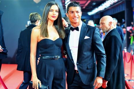 Modelo russa é conhecida por sucesso profissional e por namoro com astro do futebol Cristiano Ronaldo Foto: Press Photo