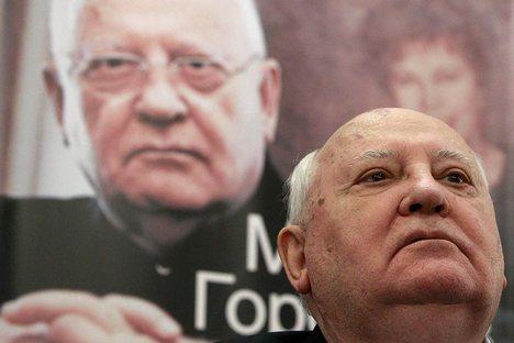 """Gorbatchov insistiu que """"não devemos permitir que ucranianos lutem entre si"""" Foto: Reuters"""