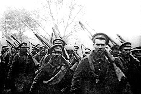 No inverno de 1918-1919, as tropas soviéticas russas tomaram novamente as fronteiras ocidentais do antigo Império Russo Foto: RIA Nóvosti