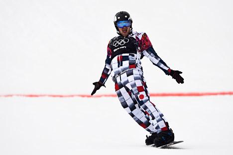 O atleta russo Nikolai Oliúnin conquistou a primeira medalha olímpica em snowboard masculino para a Rússia Foto: Reuters