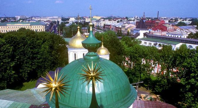 Distante 266 km da capital russa, a cidade de Iaroslavl é bem servida por transporte ferroviário Foto: William Brumfield