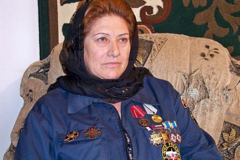 Quando garota, Zina sonhava que se sentaria ao volante do KamAZ Foto: serviço de imprensa do Ministério das Situações de Emergência