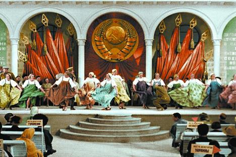 São filmes plasticamente bonitos, nos quais a propaganda do regime [socialista] é apenas um fermento Foto: kinopoisk.ru