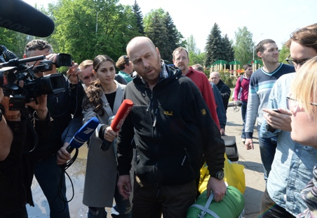 Days of mourning declared in Odessa as southeast Ukraine remains tense