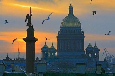 """""""Objetos dissonantes"""" no centro não contribuem para destacar belezas da cidade Foto: Aleksandr Petrossian"""
