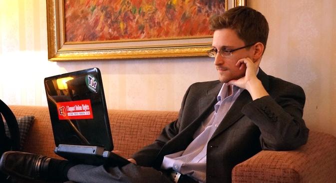 Snowden dá entrevistas, discursa para audiências em sistema de teleconferência, como especialista na área de segurança da informação  Foto: Getty Images/Fotobank