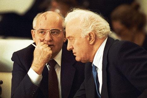 A atividade de Chevardnadze como primeiro-secretário do Partido Comunista da Geórgia por mais de dez anos foi de tal modo notória que uma promoção com respectiva mudança para Moscou era apenas uma questão de tempo Foto: RIA Nóvosti