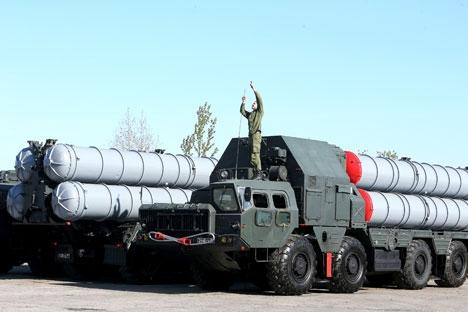 Moscou e Teerã assinaram o contrato para o fornecimento dos sistemas S-300 em 2007 Foto: Ígor Zarembo/RIA Nóvosti