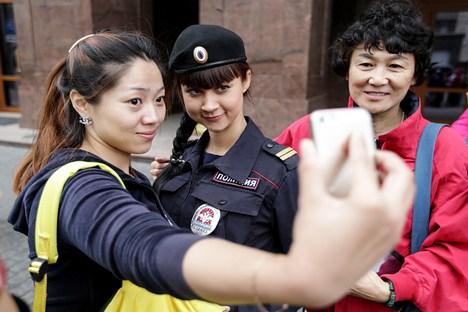 A polícia turística vai trabalhar num regime de dois turnos: das 8h às 16h e das 16h às 23h Foto: ITAR-TASS