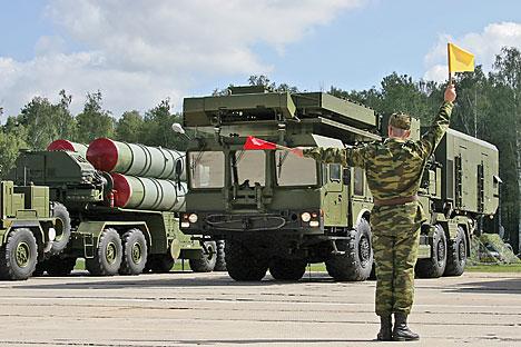 Sistema de mísseis de defesa antiaérea S-400 Foto: Aleksandr Vilf / RIA Nóvosti