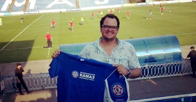 Em sua romaria a jogos de futebol pelo país, Odomiro assistiu até partida do Kamaz na terceira divisão Foto: arquivo pessoal