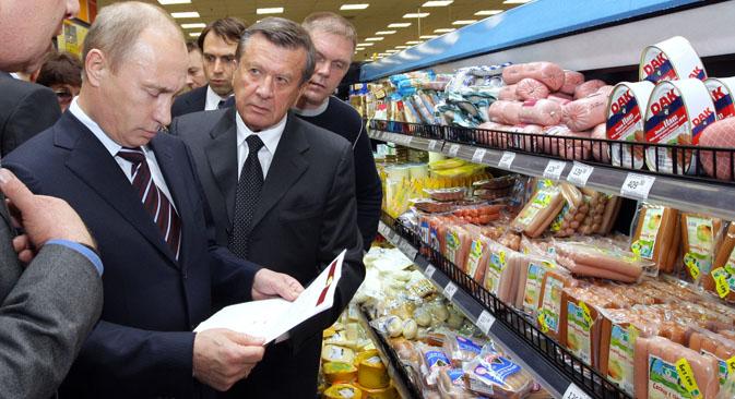 Depois de sofrer sanções mais duras da UE e EUA, Rússia embargou produtos alimentícios como resposta. Importações deverão ser substituídas por países latino-americanos e asiáticos Foto: Aleksêi Nikólski / RIA Nóvosti