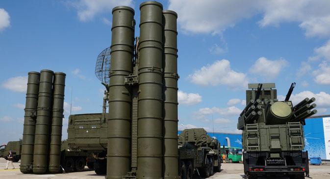 Sistema de mísseis de defesa aérea S-400 Triumf Foto: Olga Sokolova