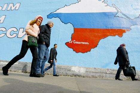 """Atualmente, 28% """"não têm nenhuma disposição"""" para assumir as despesas e somente 17% estão dispostos a passar por restrições severas pela situação na Crimeia Foto: ITAR-TASS"""