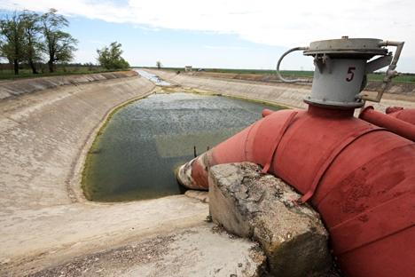 Cerca de 130 quilômetros do canal vêm sendo utilizados para a distribuição de água a partir de outras fontes Foto: ITAR-TASS