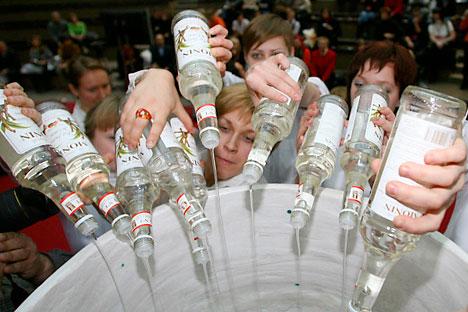 Em 75% das tentativas de suicídio na Rússia, vítimas haviam consumido álcool antes de tomar o passo fatal Foto: RIA Nóvosti