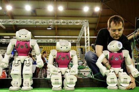 Robôs serão capazes de localizar a bola, avançar pelo campo e partir para o ataque Foto: www.tusur.ru