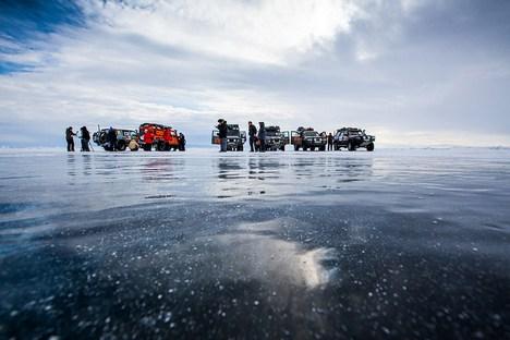 Capela será construída com troncos submersos a uma profundidade de 10 a 12 metros Foto: Aleksandr Tcheban
