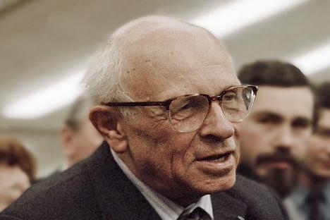 Sákharov propôs um novo sistema de governo que permeava características tanto do capitalismo, como do socialismo Foto: wikipedia.org