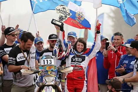 Este ano, Anastassia foi vencedora de uma das mais difíceis provas do automobilismo mundial: o rali Africa Eco Race Foto: PhotoXPress