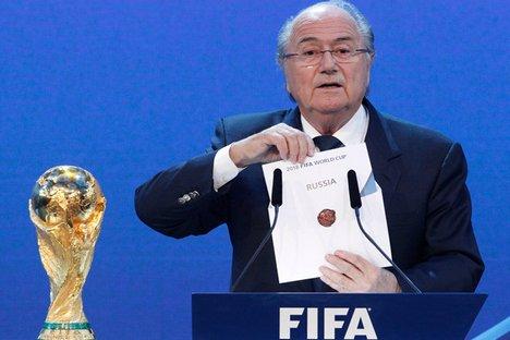 Blatter participou da cerimônia de abertura da 23ª Copa da CEI Foto: Reuters