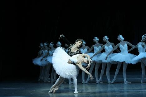 Uliana Lopátkina no papel de Odette-Odile Foto: Teatro Estatal Acadêmico Mariínski
