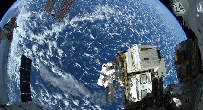 A Rússia havia manifestado anteriormente a intenção de abandonar o programa da ISS em 2020 para redirecionar recursos a outros projetos Foto: NASA