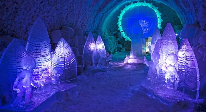"""O complexo de museus """"Reino do Permafrost"""" fica em uma geleira enorme com diversas salas de exibição e atrações Foto: Ivan Deméntievski"""