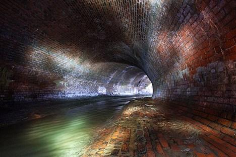 O rio Neglinnaia é um afluente do rio Moscou com 7,5 km de extensão, tão antigo como a própria capital Foto: mosextreme.ru