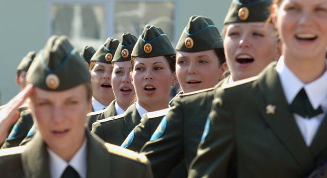 Atualmente,  as mulheres que servem na Marinha atuam em unidades médicas, de comunicação e administrativas costeiras Foto: Serguêi Piatakov/RIA Nóvosti