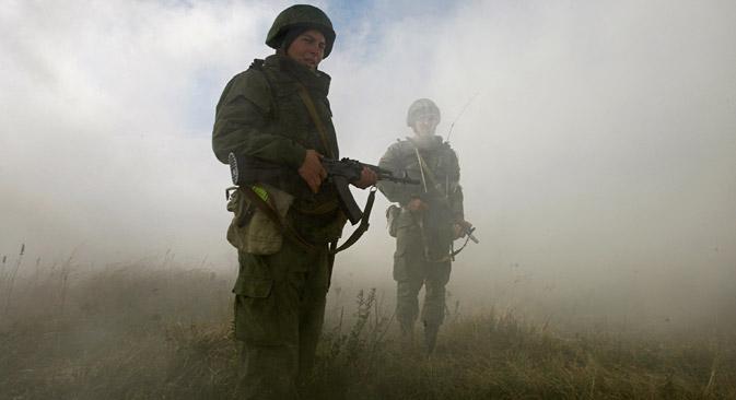 Soldados participam de missão perto da cidade russa de Stavropol, em 2012 Foto: Eduard Kornienko/Reuters