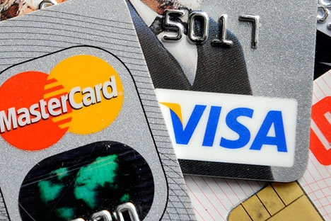 Cartões bancários foram bloqueados pelos sistemas de pagamento internacionais em meio às sanções econômicas impostas pelo Ocidente Foto: AP
