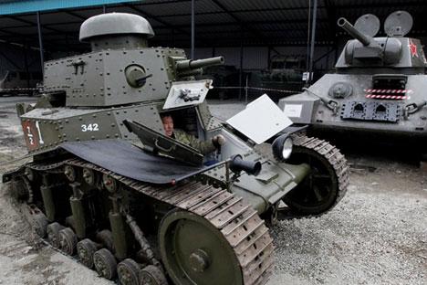 T-18 tinha um canhão de 37 milímetros e atingia 16 km/h Foto: RIA Nóvosti