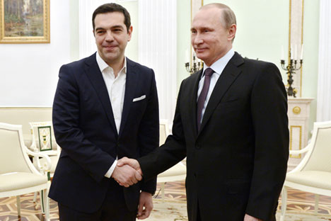 Premiê grego esteve em visita oficial a Moscou nesta quarta-feira (8). Foto: Aleksêi Nikolski / Ria Nóvosti
